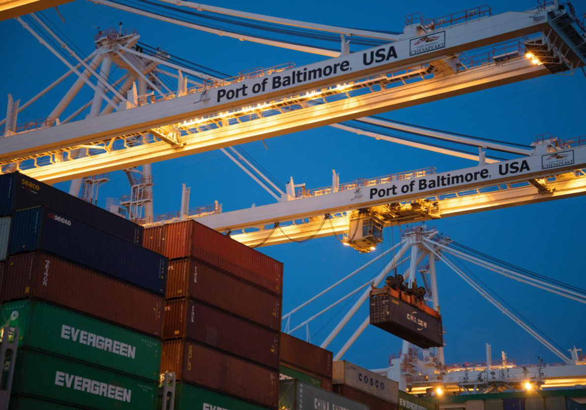 Haven met containers